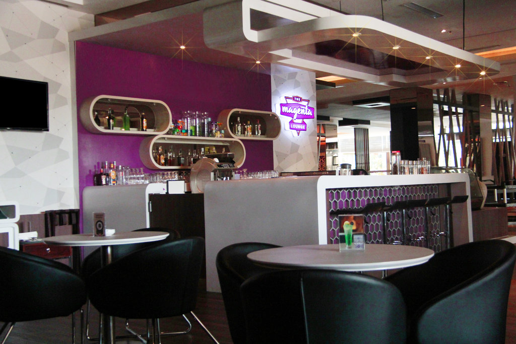 Magenta Lounge